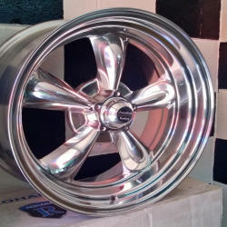 American Racing Torqu Thrust 18 x 8